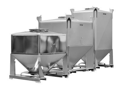 Row of IBCs with powder handling systems