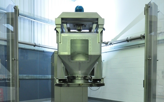 A FIXED V MOBILE INDUSTRIAL MIXER SYSTEM Matcon IBC